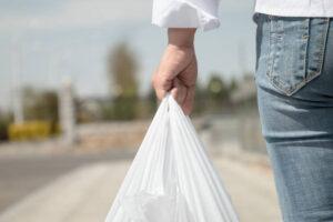 BOLSAS DE PLASTICO CON UN 70% MATERIAL RECICLADO 5